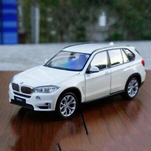Welly 1:24 BMW X5 Diecast Metal Voiture Modèle Jouet Black New in Box