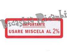 0640 - TARGHETTA ROSSA IMPORTANTE USARE MISCELA 2% VESPA 50 SPECIAL R L N