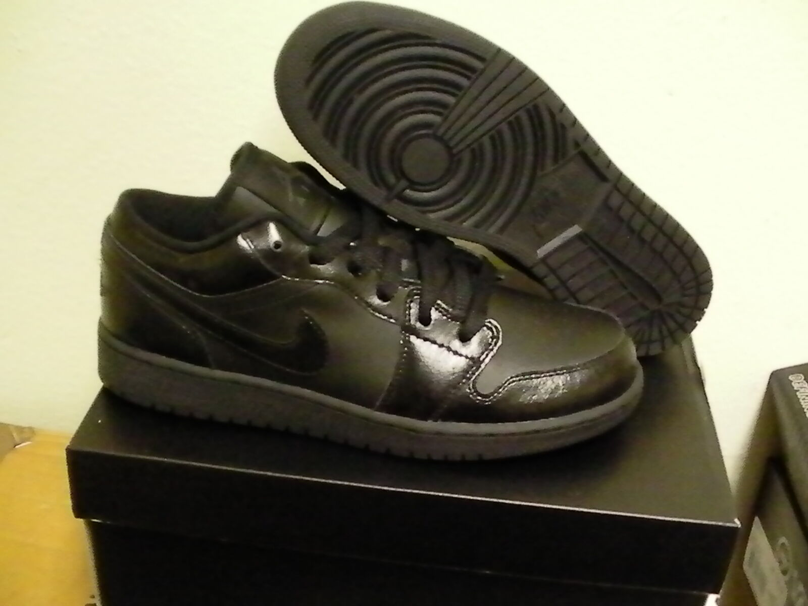 Air jordan 1 low (GS) Größe 6.5Youth = 8 Damens's All schwarz