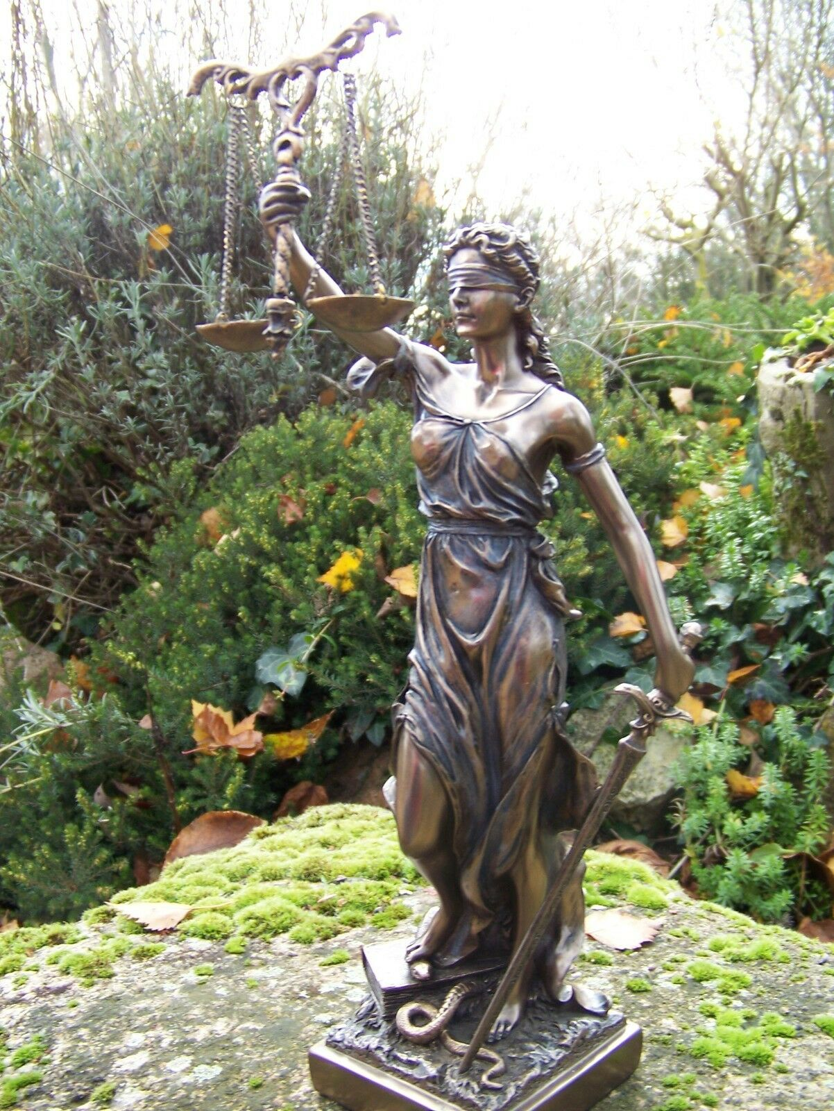 30055  FIGURINE  STATUETTE   DIEU  LA JUSTICE AVOCAT  STYLE    BRONZE  33 cm