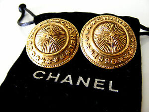 Fabulous-Large-CHANEL-1990-Button-Earrings