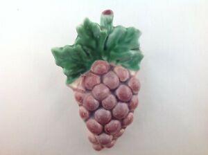 Vintage-Art-Pottery-Ceramic-Purple-Grape-Fruit-Wall-Pocket-Vase-Planter