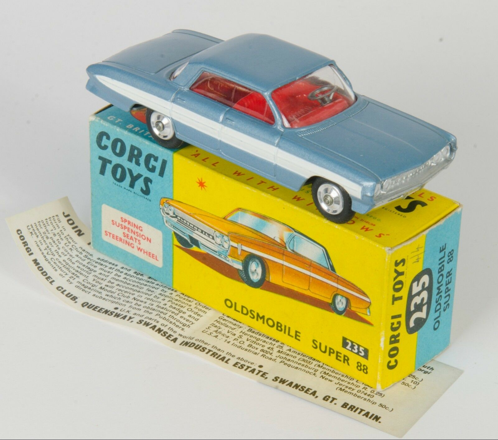 Corgi 235 Oldsmobile Super 88. Met. Steel Blau. VNMINT Boxed. 1960's Issue