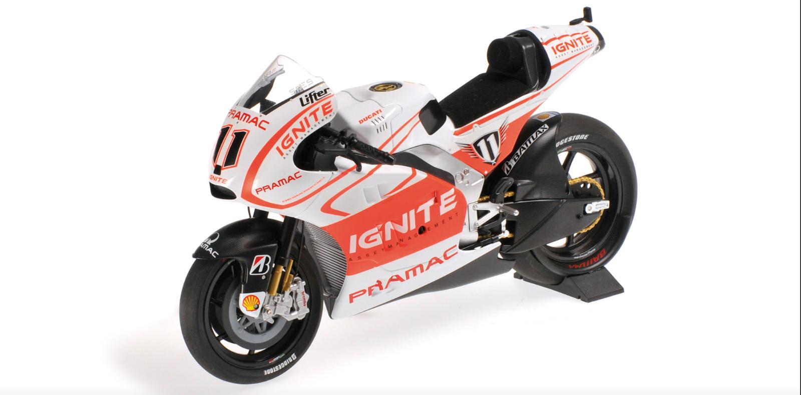 1 12 Ducati Desmosedici GP13 Spies MotoGP 2013 1 12 • Minichamps 122130011