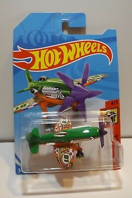 2018 Hot Wheels HW Daredevils 4//5 Mad Propz yellow w//red base /& green prop