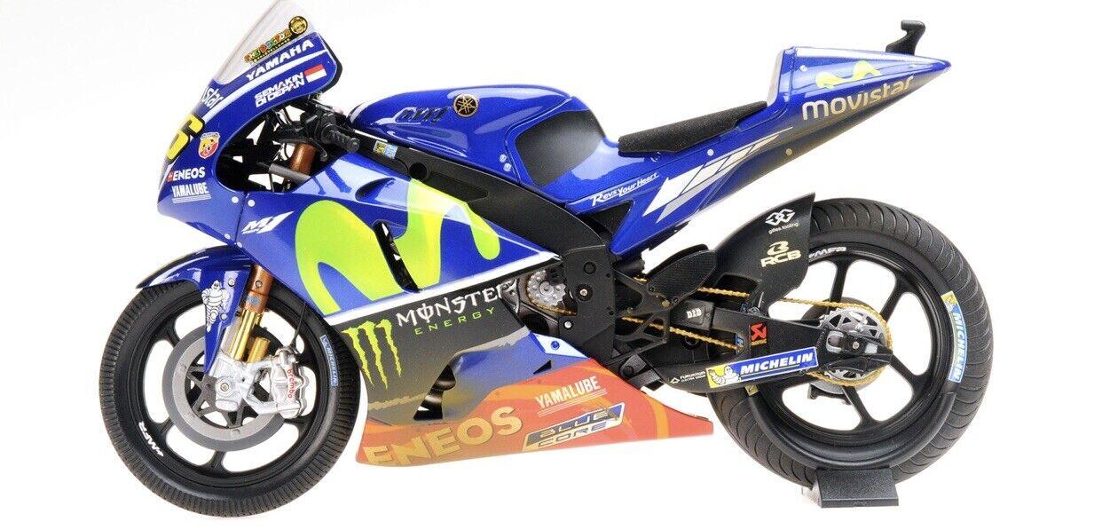 Valentino Rossi Yamaha YZR-M1 MALAYSIA 2017 MotoGP 1 12 Minichamps 122173346