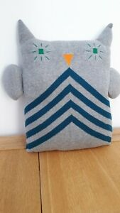 Owl-cushion-grey-with-teal-stripe