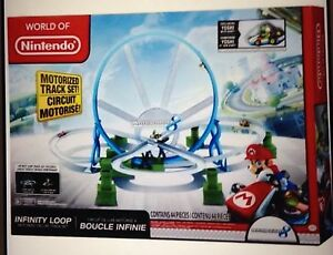 World-Of-Nintendo-MarioKart-Infinity-Loop-Motorised-Deluxe-Race-Set-Yoshi-BN