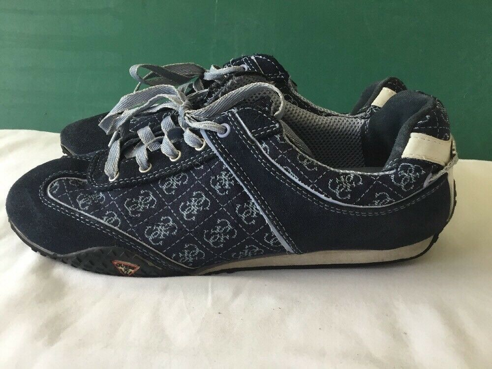 GUESS Women's Navy bluee laced sneakers size 9M