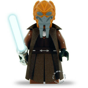 Deluxe Version Plo Koon with Cape and Lightsaber LEGO® Star Wars