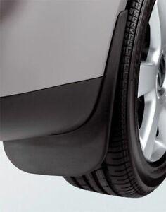 Original-Volkswagen-Satz-Schmutzfaenger-vorn-Caddy-Touran-NEU