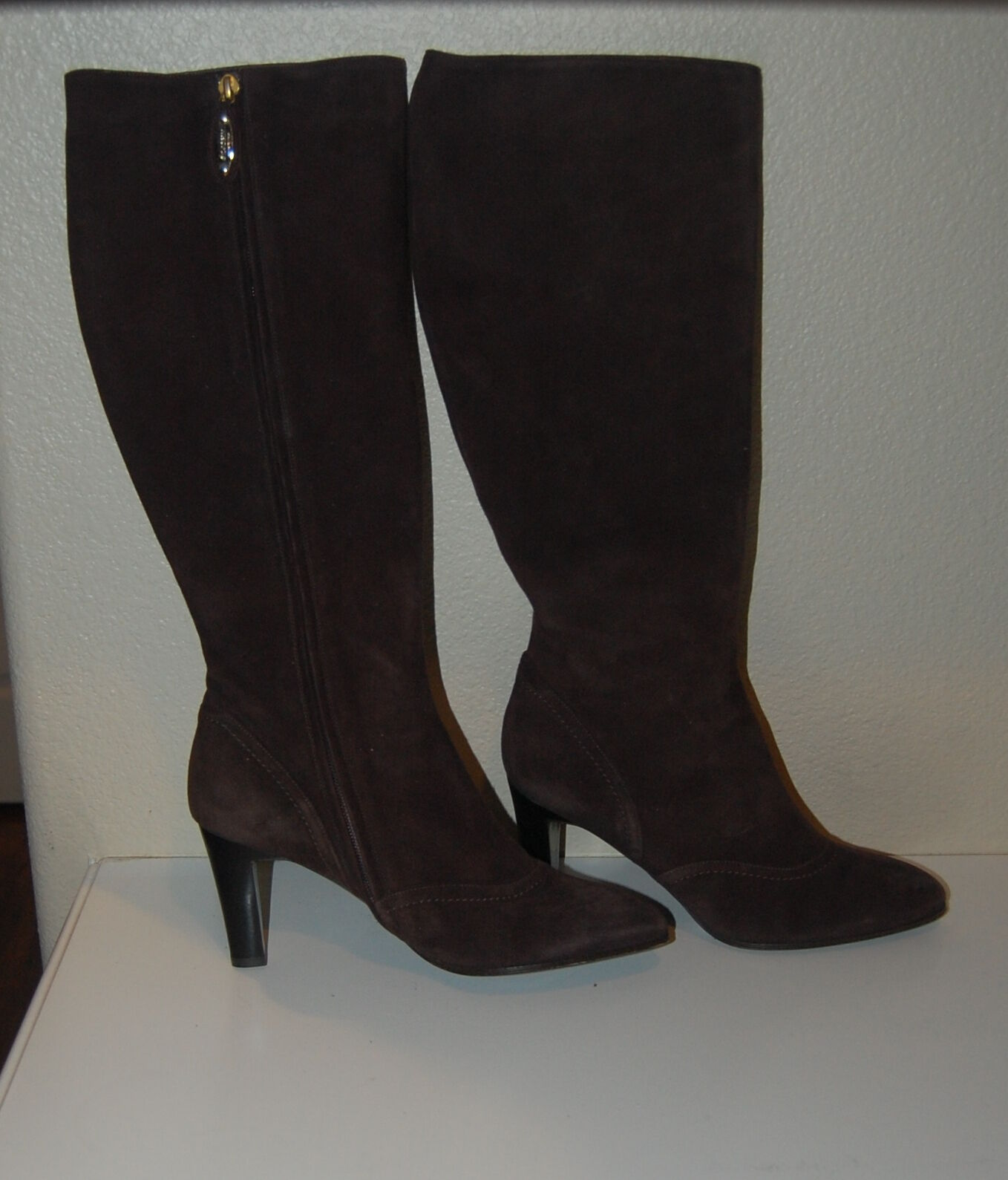 NEW DESIGNER ST. JOHN KNIT - BROWN SUEDE TALL KNEE HIGH BOOTS SIZE 8B