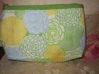 Clinique-make Up Bag-/multi-color-green/yellow/blue/white -/flowers/-medium-new