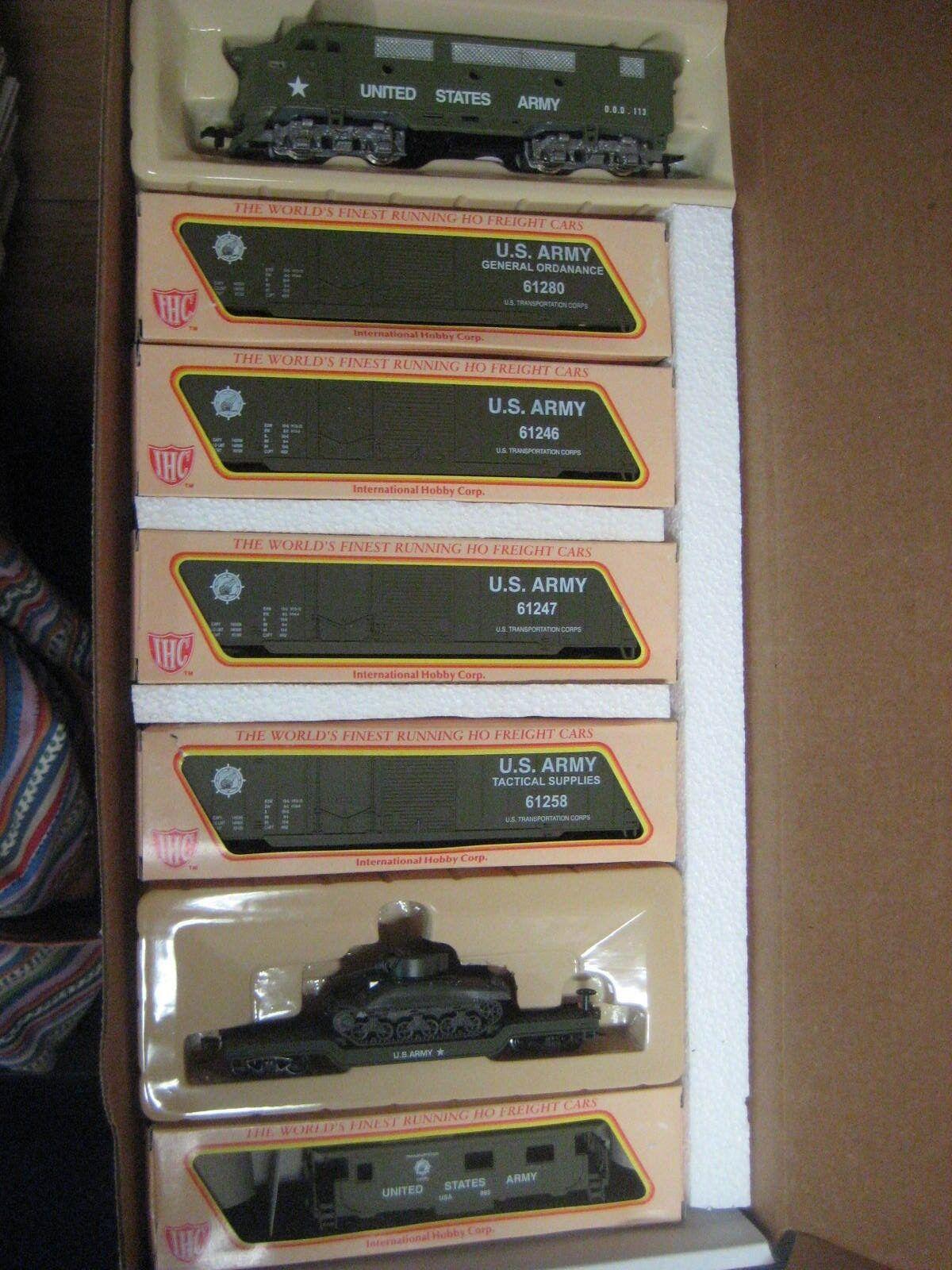 Ho Tren Militar Set F-3 un loco y 6 coches 4 Caja coches, plana con tanque & furgón de cola