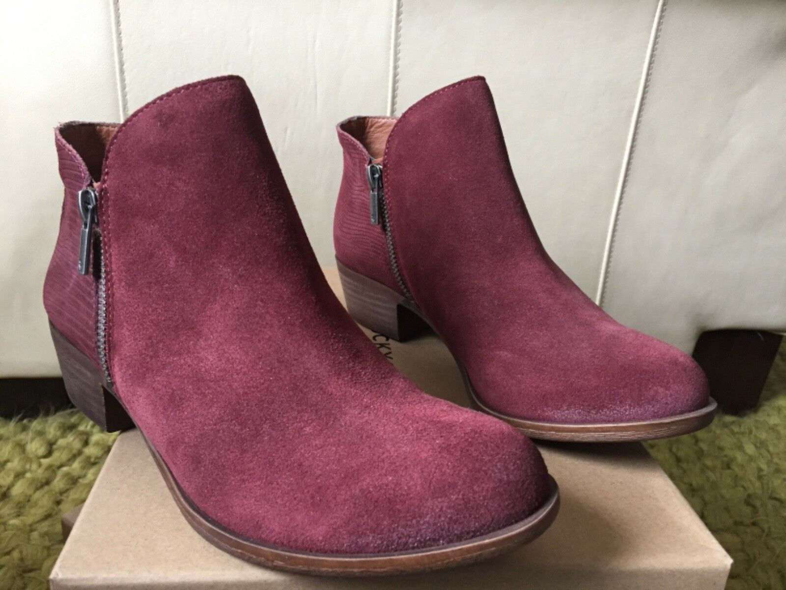 Lucky Blare Size 8M Genuine Leather Beet Suede New