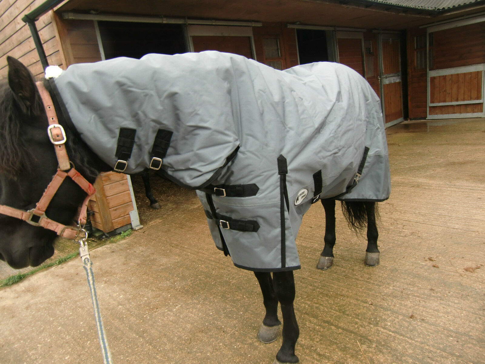 The Highland Heavy  Weight Combo  THUG RUG   1680d 300g fill. Reduced PRICE  up to 60% discount