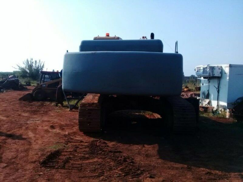 Stripping a SANY 310C Excavator for spares   Benoni