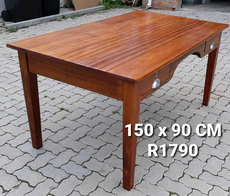 REAL WOOD SOLID EXCELENT QUALITY DESK FOR SALE