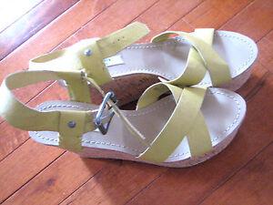 NEW ~VERA WANG ~ Orig $74.99 Green Cork wedge Sandals Shoes ~ 7.5 US/ 37.5 EUR