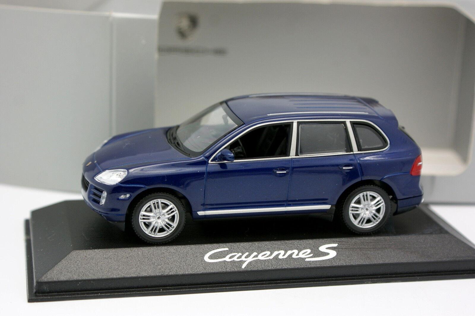 Minichamps 1 43 - Porsche Cayenne S Bleue