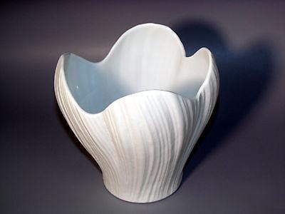 Rosenthal studio-linie Design Entwurf Martin Freyer weiße Plissee Porzellan-Vase