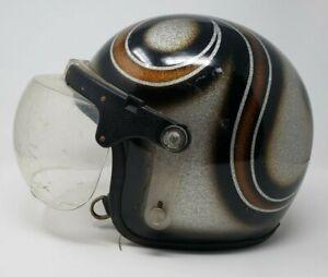 Vintage-Motorcycle-Helmet-Meets-Bubble-Shield-Painted-Graphics