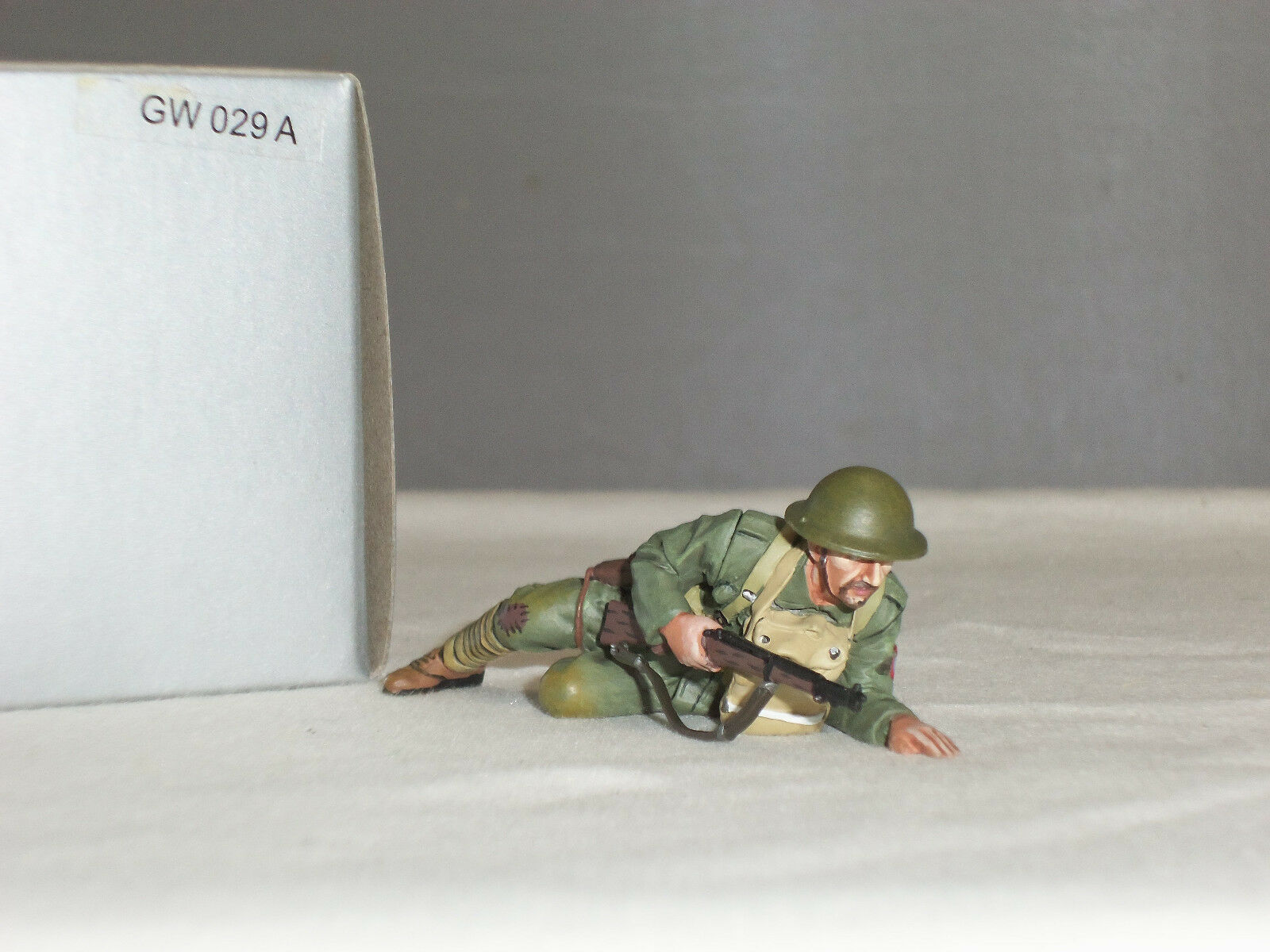 THOMAS GUNN GW029A US ARMY PRIVATE HENRY JOHNSON CRAWLING WITH RIFLE TOY SOLDIER