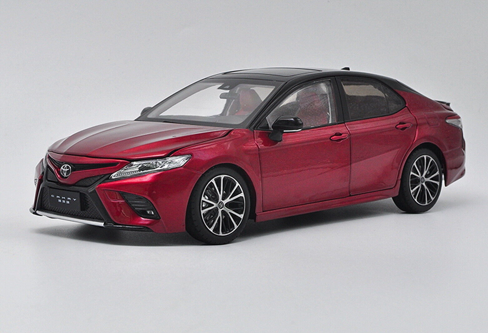 1 18 Scale Toyota Camry 2018 Sport 8th Generation rot Diecast Car Model