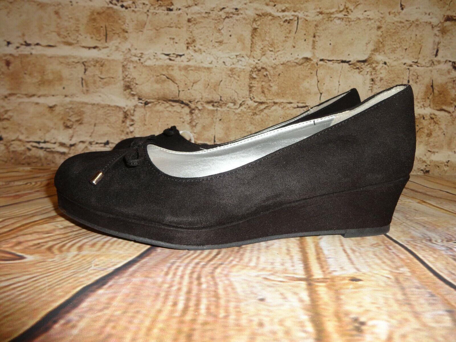 American Eagle Shoes Black Suede Feel SZ 5 M Closed Toe Bows Wedge Heel