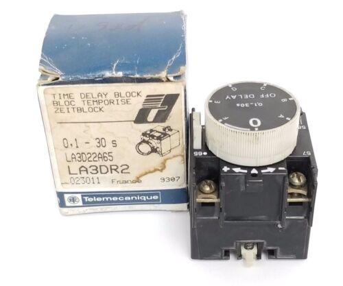 LA3DR2 TELEMECANIQUE LA3D22A65 TIME DELAY BLOCK 10AMP .1-30SEC 500VAC 1NO//1NC