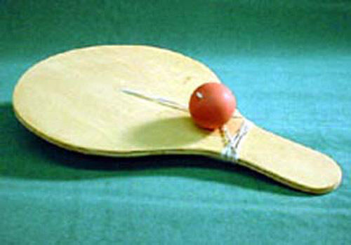 Folk Toys Wood Snapback Paddle Classic Wooden Toy w// Extra Ball /& String 357505