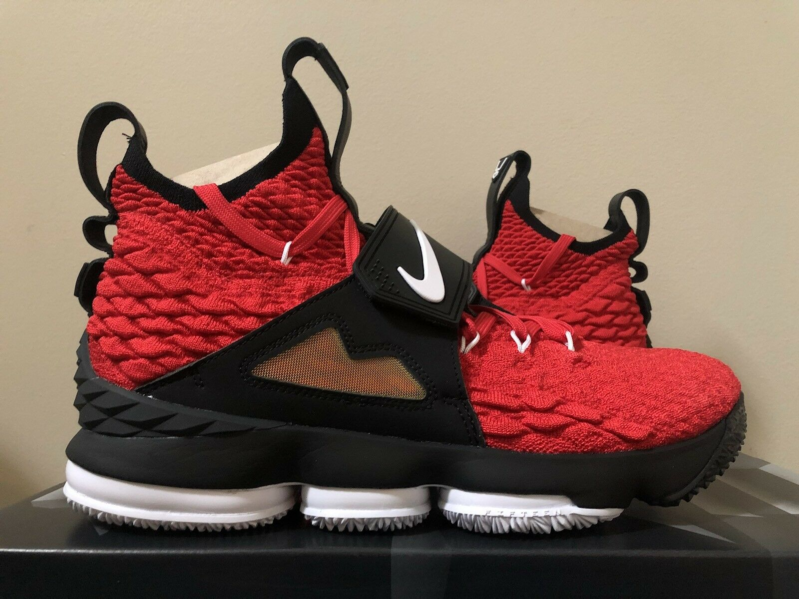 Nike Lebron 15 XV Prime Diamond Turf Deon Sanders Red AO9144-600 Size 11-13