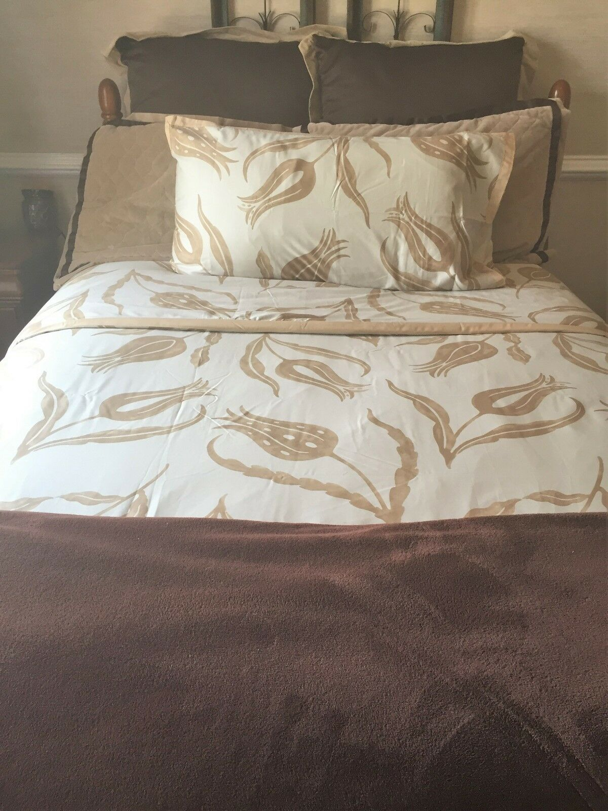 Williams-Sonoma Floral 1 KING CAL. KING Duvet Cover with 2 Shams (Stand or Euro)
