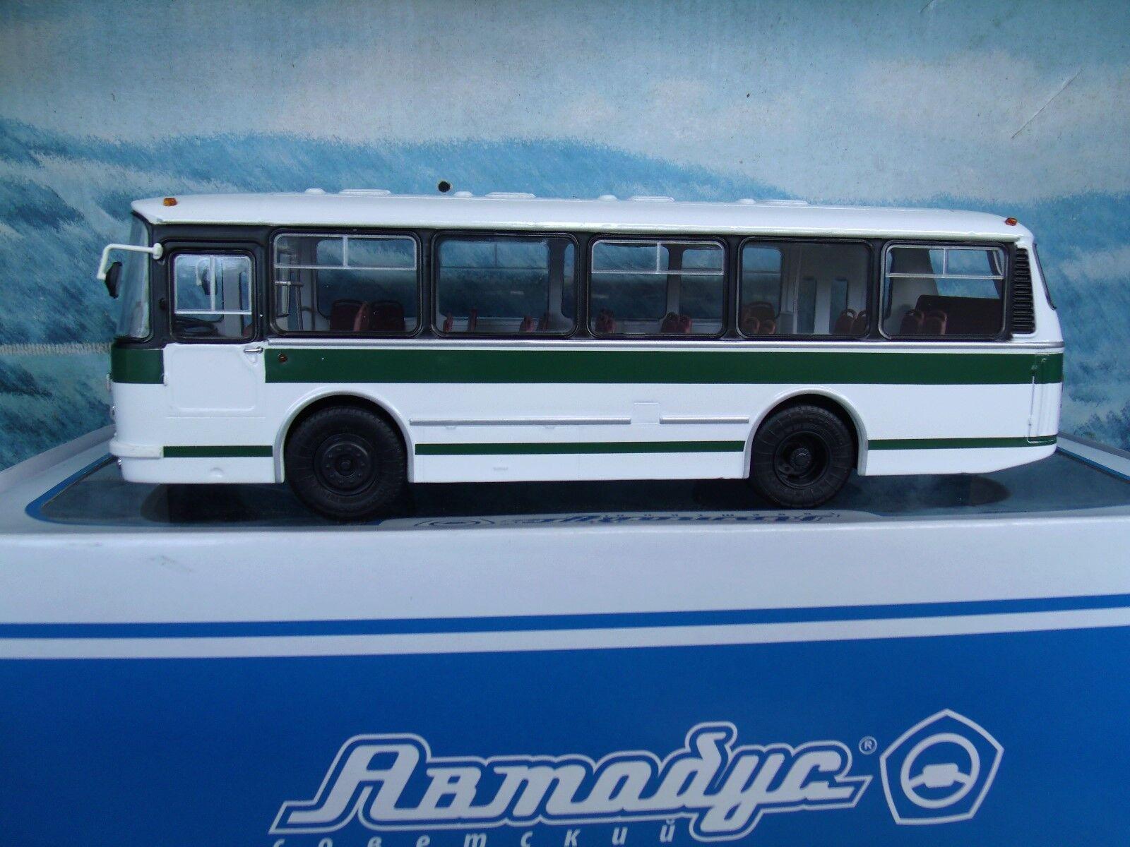 1 43 Soviet Autobus Laz Bus 695R