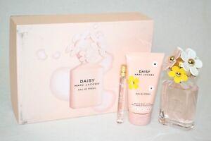 1871ead94edb  115 Marc Jacobs 3-Pc Daisy Eau So Fresh Gift Set Toilette Spray ...