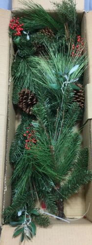 Pottery Barn Red Berry /& Pine Home Decor 5' Garland