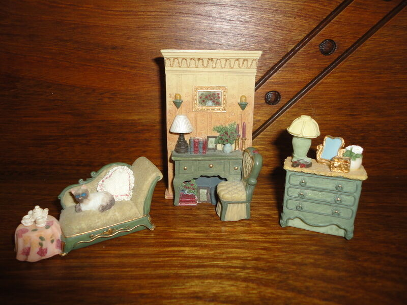 Miniature Victorian Furniture w Siamese Cat 3 Piece Set Sofa Desk Bureau