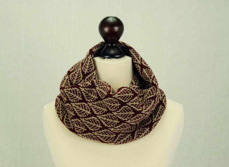 BNWT Premium Lusso FATTO A MANO DECORATA MARRONE Sciarpa di lana 3D Fiori