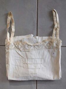 Chemise-de-nuit-brodee-ancienne-a-bretelle-N-9-1900