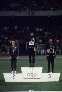 OLD-LARGE-PHOTO-USA-athletics-great-1968-Mexico-Olympic-Gold-Tommie-Smith-11
