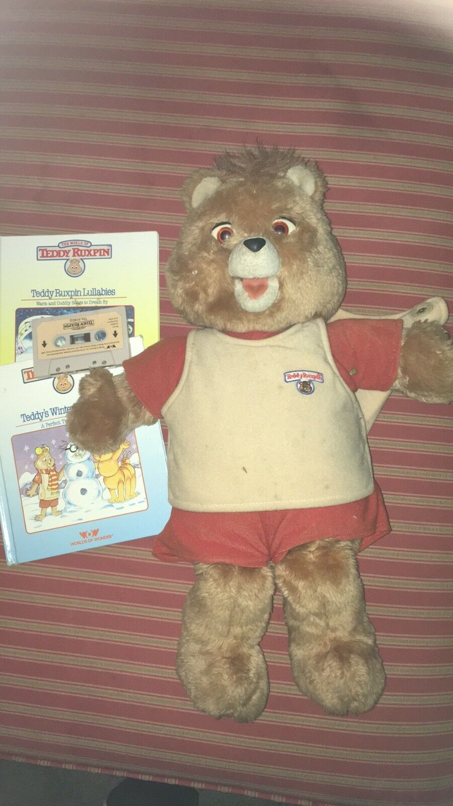 1985 Teddy Ruxpin- Vintage- Missing battery cover. AS-IS due to being untested