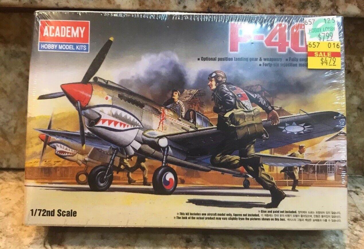 P-40B Plastic Model Airplane Hobby Kit Academy  72 scale