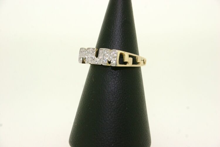 9ct gold MUM Ring with CZ Stones,  1.6g