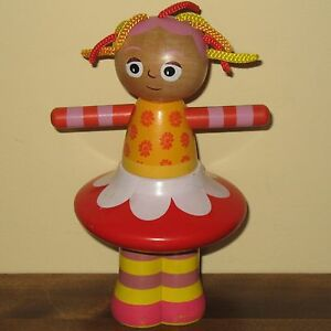 In-The-Night-Garden-Upsy-Daisy-Wooden-Stacker-Stacking-Doll-Toy-BBC