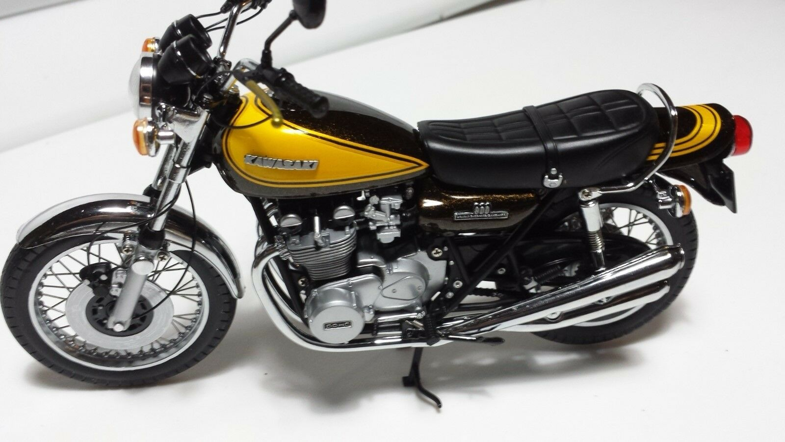 Kawasaki Z1 900.  Minichamps 1 12