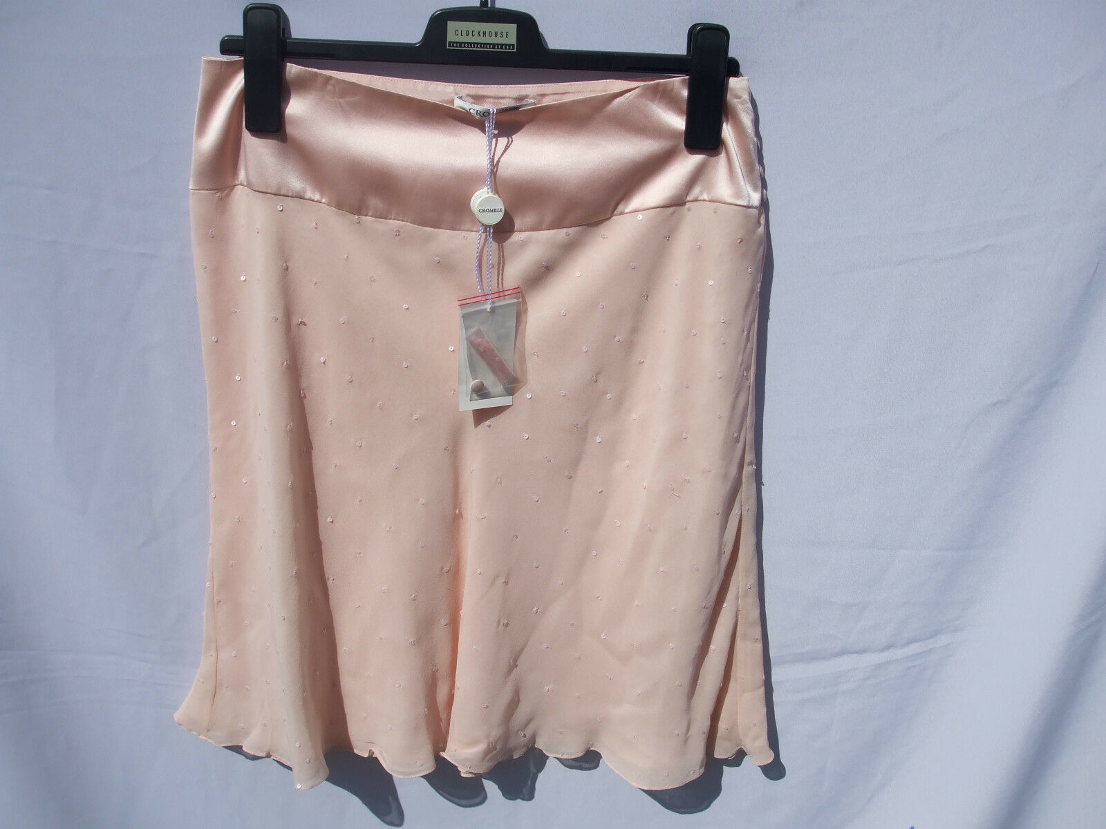 Crombie Peachy Pink Skirt, Size 10, 100% Silk, Sequin Detail Throughout SALE BN