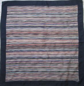 dfc2d7a55287 Superbe Foulard CHANEL soie TBEG vintage 84 x 88 cm   eBay