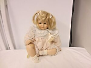 "Dolls & Bears Efficient 1996 Brinn's Pouty Pricilla 12"" Porcelain Treasures Doll-authenic Collectible Ed Reasonable Price"