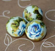 15mm resin beads with floral pattern - 4 pcs