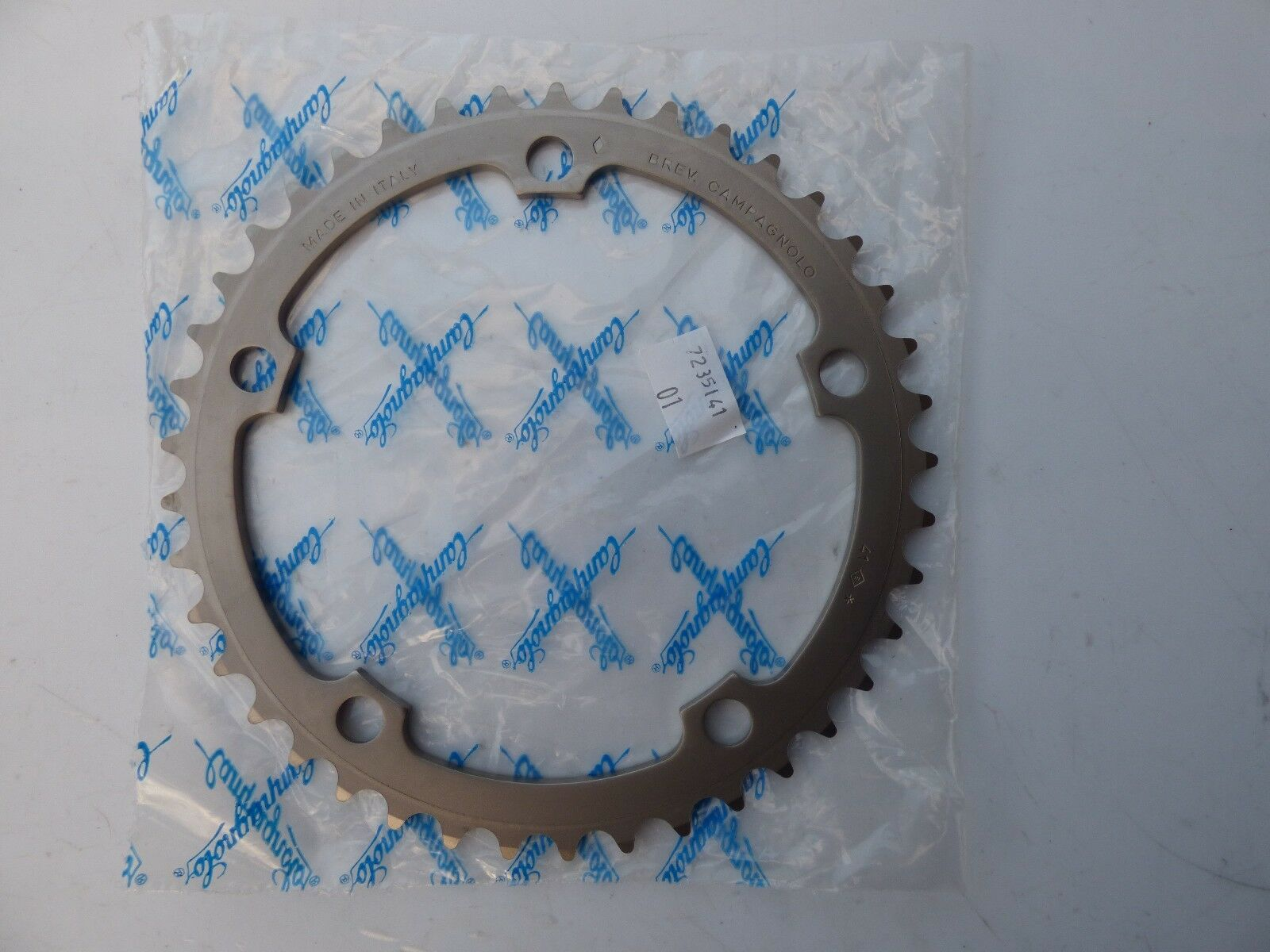 CAMPAGNOLO RECORD 10-SPEED CHAINRING - 41 T - 135 BCD - NOS - NIP
